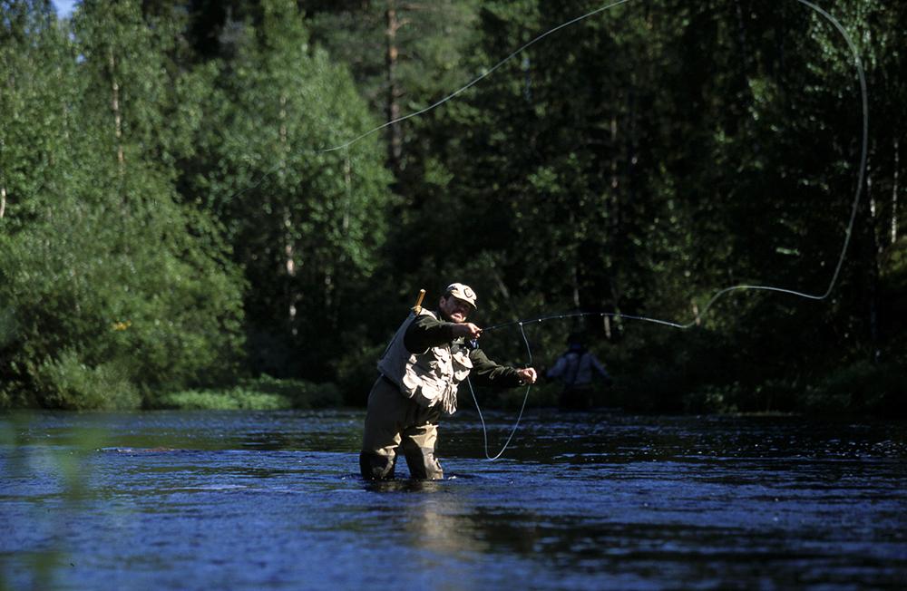 Ylläksen yötön yö tarjoaa loistavat puitteet kalastukselle.