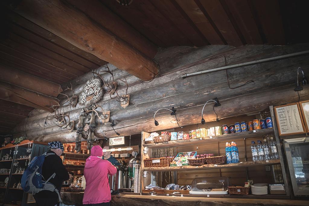 Latvamaja on yksi Ylläksen latukahviloista.